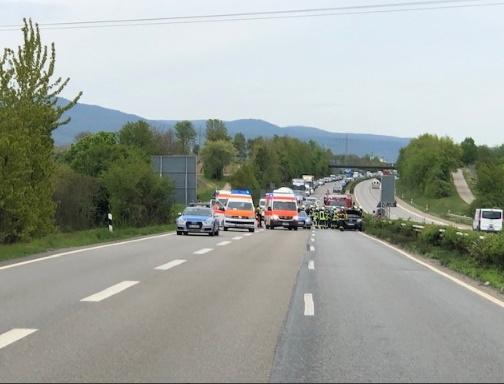 Edenkoben – Unfall mit mehreren  Fahrzeugen –  #A65 zeitweise gesperrt – Acht Personen leicht verletzt –  Zwei Schwerverletzte