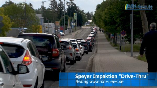Speyer – VIDEO NACHTRAG – Verkehrschaos bei Corona AstraZeneca Drive Thru Impfung