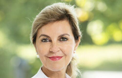 """Schwetzingen – Kosmetische Operationen an Brust und Bauchdecke – Was übernimmt die Krankenkasse? Online-Vortrag von Chefärztin Dr. Lelia Bauer im Rahmen der Veranstaltungsreihe """"Was Frauen bewegt"""""""
