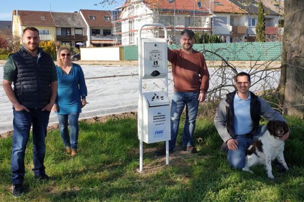 Rhein-Pfalz-Kreis – FWG spendet Dogtoilet an die Gemeinde Mutterstadt für mehr Sauberkeit