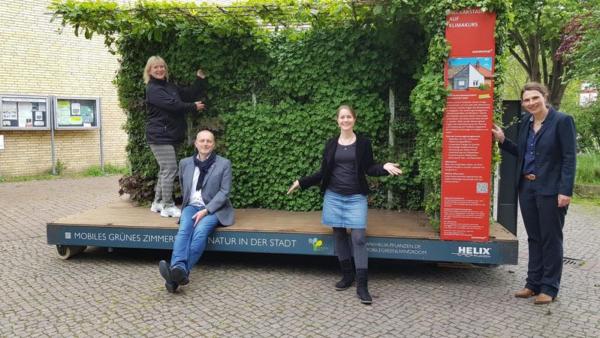 Mannheim – Mobiles Grünes Zimmer an der Paul-Gerhardt-Kirche – Erste Station der grünen Stadtoase ist am Kirchvorplatz – Open-Air-Gottesdienste im Mai und Juni – Premiere am 21. Mai um 19 Uhr