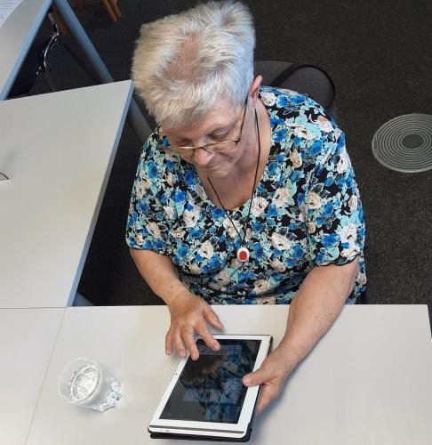 Speyer – Senioren zocken zusammen – Neuer Digital- & Spiele-Treff der Malteser im MGH startet