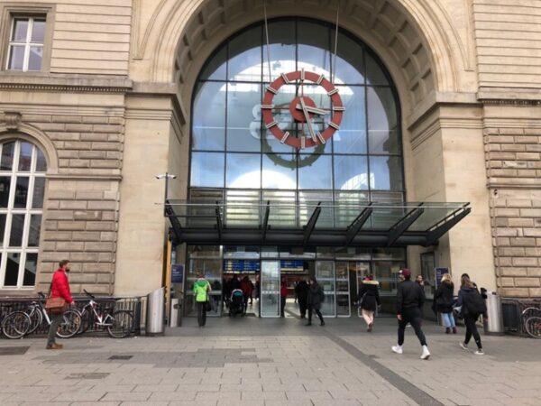 Mannheim – Bedrohung mit Messern durch unbekannte Tatverdächtige