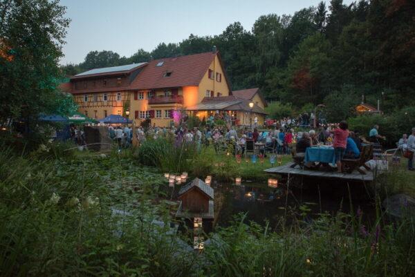"""Wald-Michelbach – Traumhafte Sommerabende mit Hof- und Gartenkonzerten – Im Überwald bieten fünf """"Traumabende"""" wieder Kultur und Ambiente"""