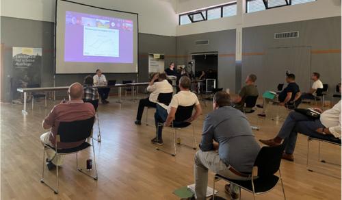 Insheim – Mitgliederversammlung des Südliche Weinstrasse e.V. Erstmals hybrid durchgeführt – online und live im DGH Insheim