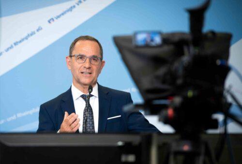 """Speyer –""""Zuversicht, für kommende Herausforderungen gerüstet zu sein"""" – Vereinigte VR Bank Kur- und Rheinpfalz blickt bei Vertreterversammlung auf ein gutes Geschäftsjahr 2020 zurück"""