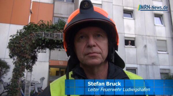 Ludwigshafen – VIDEO NACHTRAG – Schneller Einsatz der Feuerwehr verhindert Schlimmeres – vier Verletzte