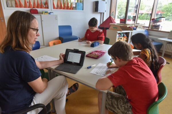 Heidelberg – Sprachförderung an den Heidelberger Grundschulen künftig mit päd-aktiv: Stadt will mit kommunalem Schulprogramm optimale Bildungschancen für Schülerinnen und Schüler ermöglichen