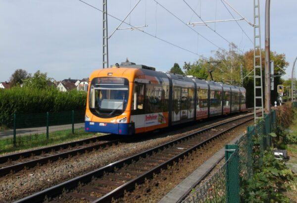 Heidelberg / Edingen-Neckarhausen – 8-jähriges Mädchen kollabiert in Strassenbahn – Passagiere leisten erste Hilfe