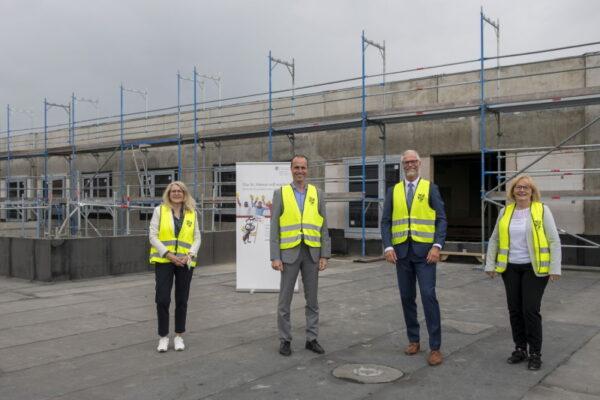 Ludwigshafen – Minister Clemens Hoch besucht Ludwigshafen – Rundgang über Baustelle am St. Marienkrankenhaus