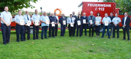 Germersheim – Landkreis ehrt langverdiente und engagierte Feuerwehrleute – 1.760 Jahre Ehrenamt an einem Tag