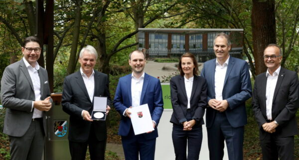 Landau – Wirtschaftsmedaille des Landes Rheinland-Pfalz – Feierstunde des Landkreises SÜW für Progroup-Gründer Jürgen Heindl