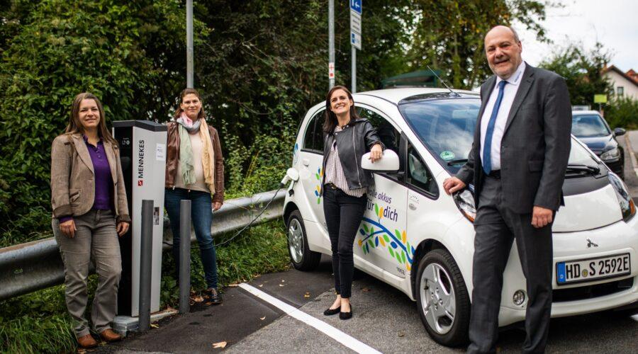 Neckargemünd – Stadtwerke Neckargemünd engagieren sich für den Klimaschutz!  Zwei neue E-Ladestationen und eine neue Photovoltaikanlage in Betrieb genommen