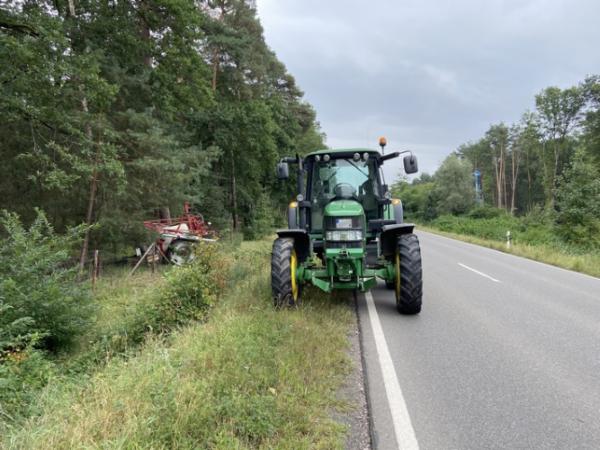 Haßloch – Anhänger löst sich von Traktor