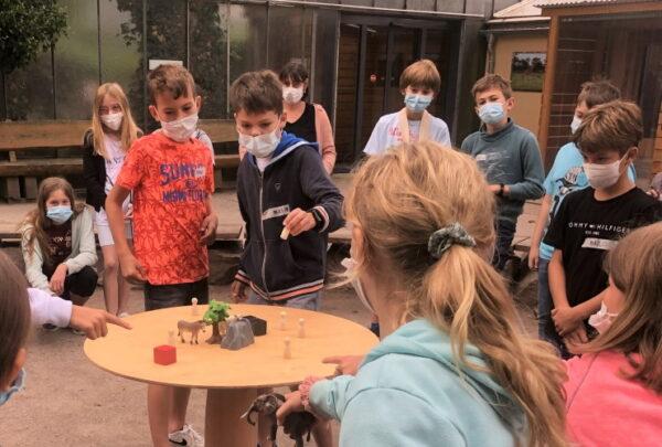 """Landau – """"Aktiv für den Artenschutz!""""- Bildungsveranstaltung in der Zooschule mit 49 Schulkassen erfolgreich zu Ende gegangen –  Insgesamt 1036 Kinder nahmen in den letzten Wochen an den Zoo-Natur-Erlebnistagen in der Zooschule Landau teil"""