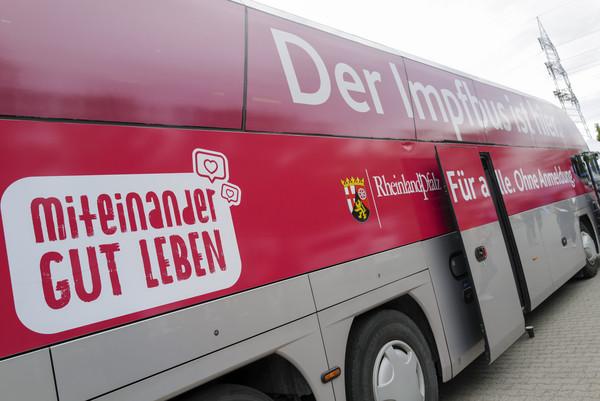 Ludwigshafen – Die Impfbusse fahren auch in der kommenden Woche quer durch #RLP. Mundenheim: Dienstag 19.10.2021 Wegelnburgstraße – Personalausweis nicht vergessen!